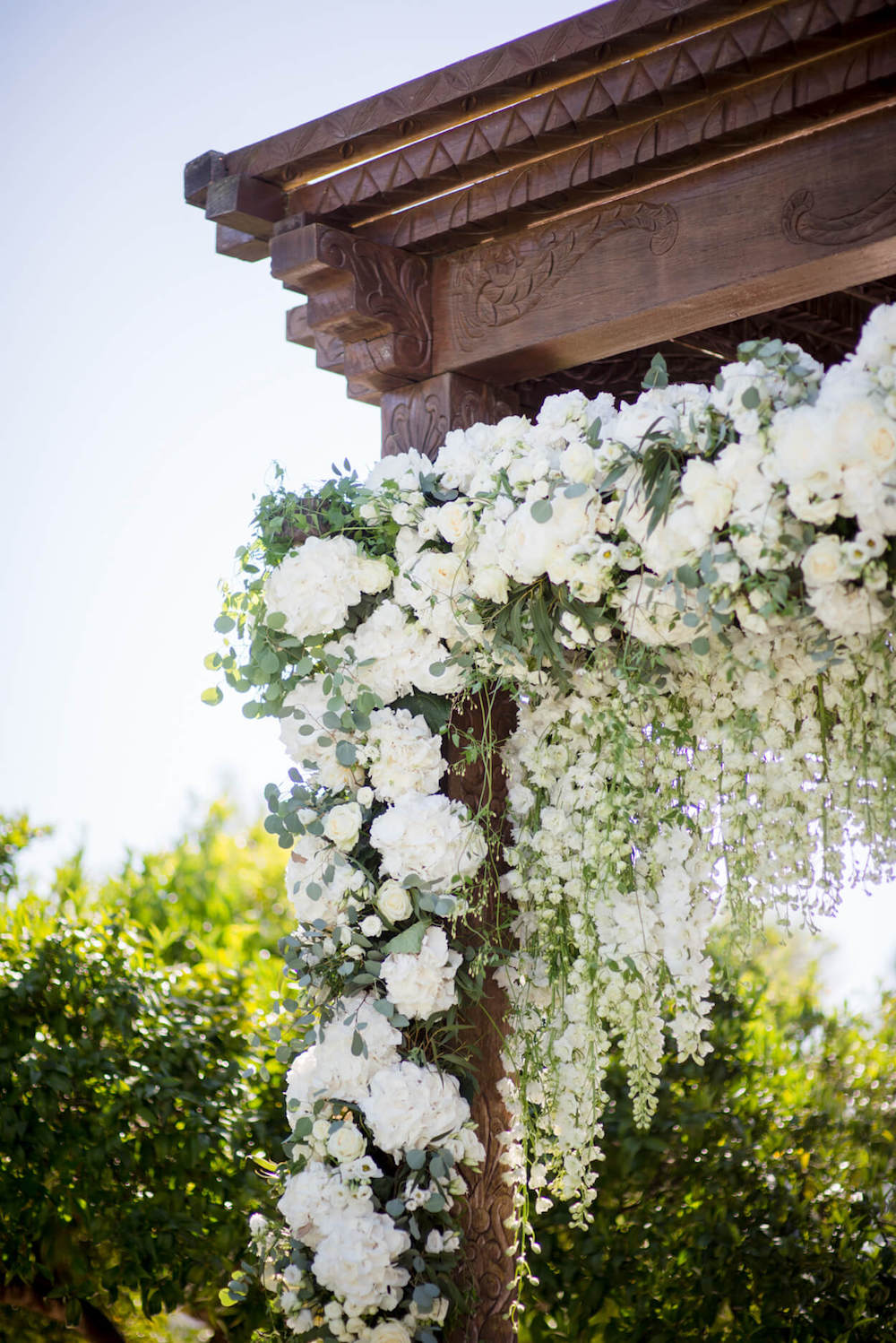 wedding flowers arch