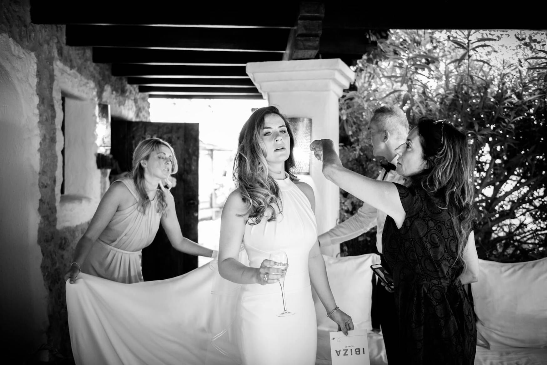bride getting ready louise maxwell jenny packham dress