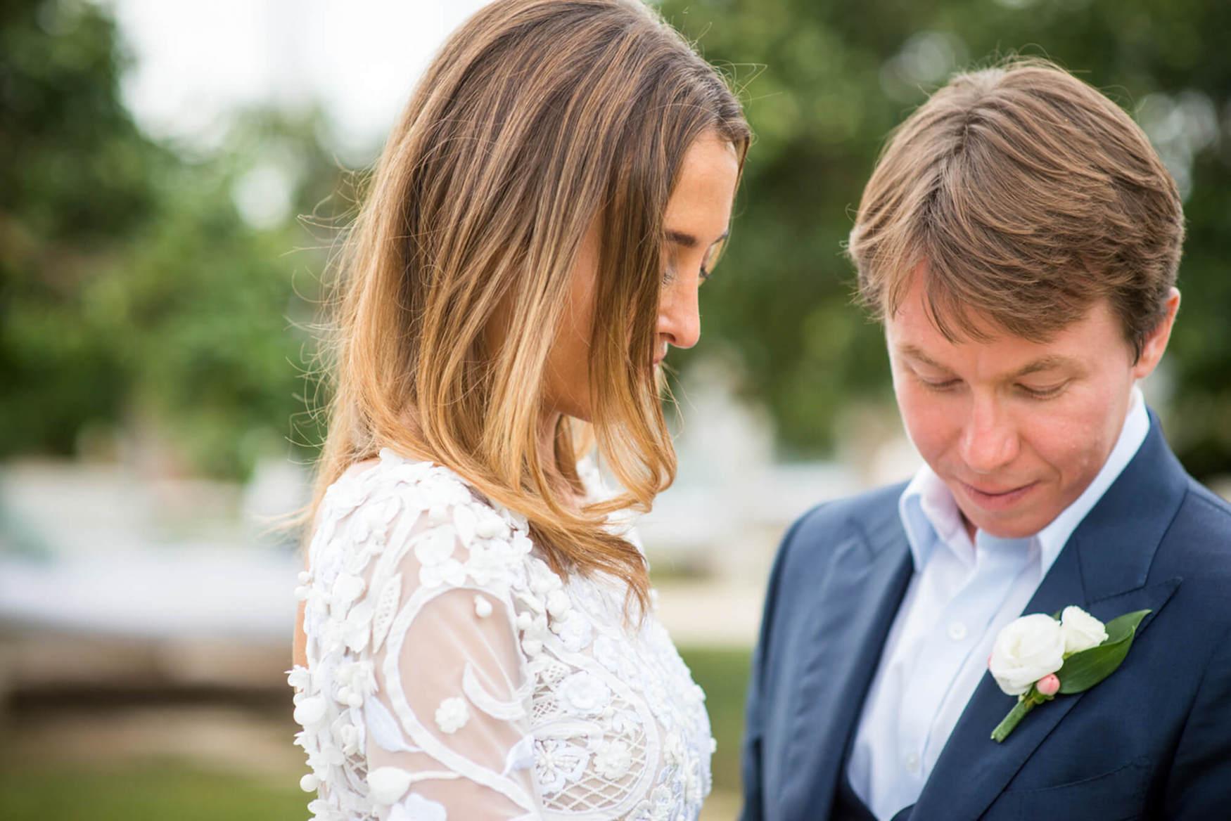 bride groom detail