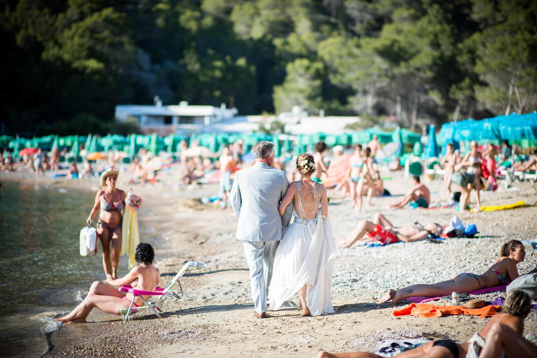 bride father of bride beach walk tourist benirras wedding elements