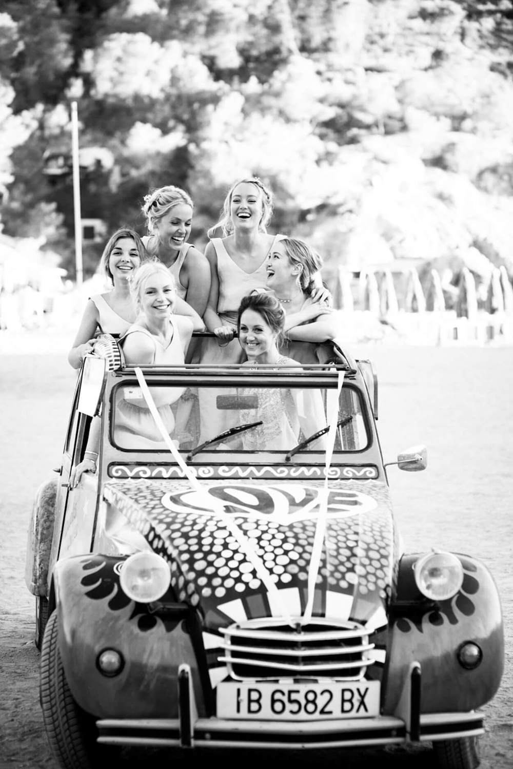 sisters beach wedding feet sand happy laughter elements benirras 2cv