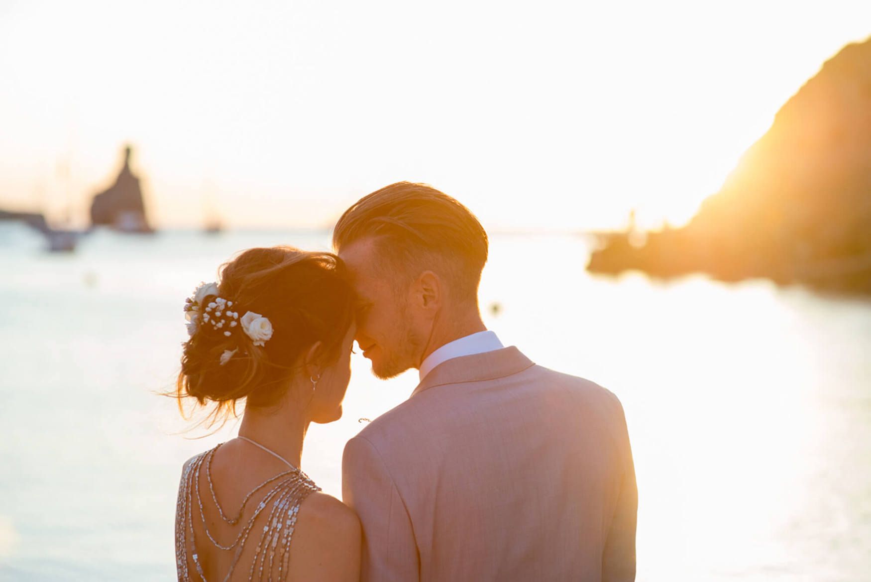 bride groom benirras sunset kings rock flowers hair beach