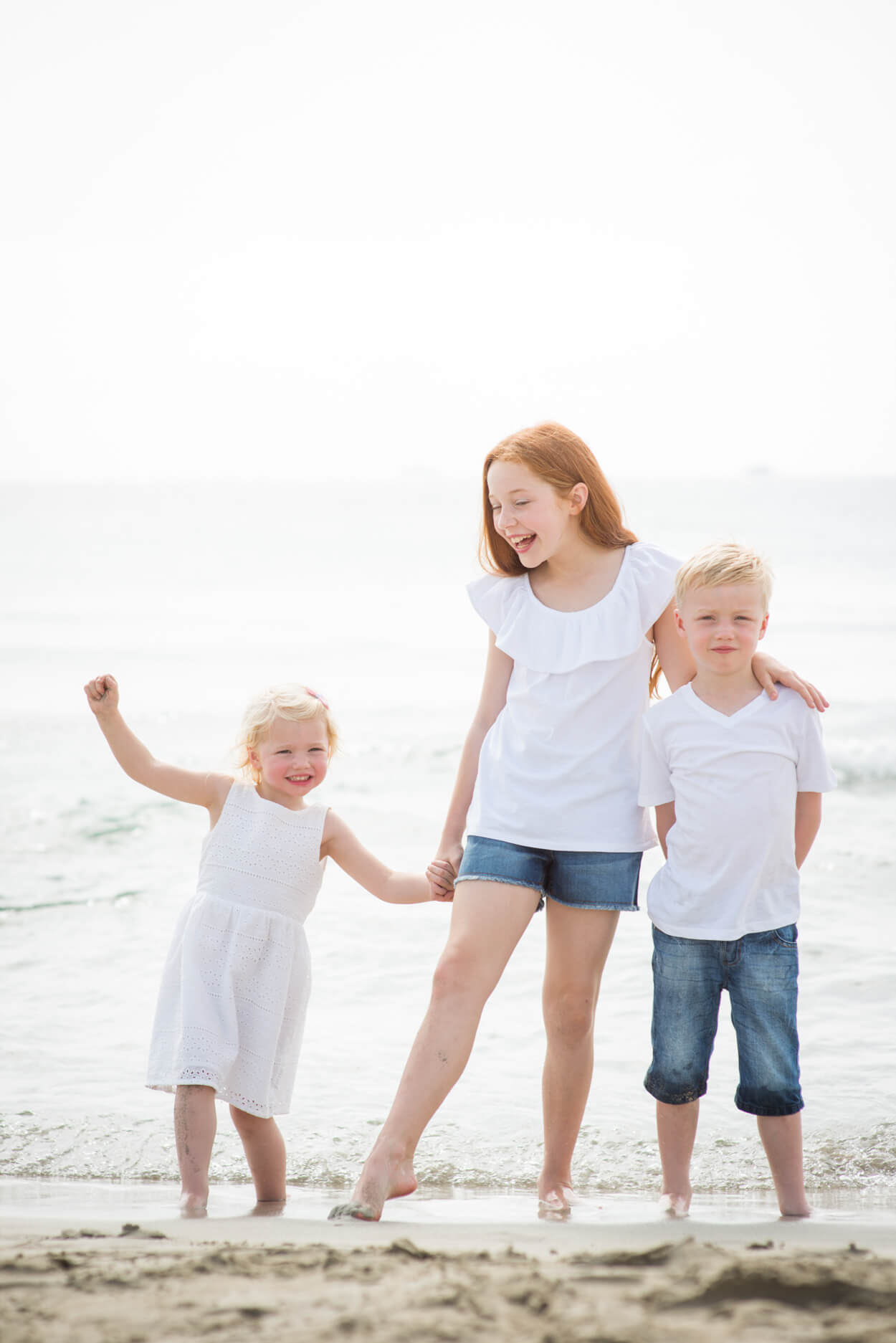 children beach portrait holiday family session
