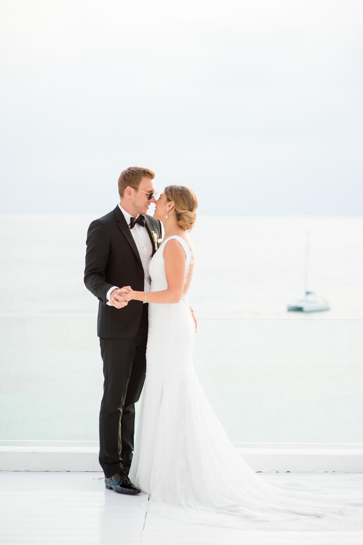 couple portrait bride groom seaside venue horizon