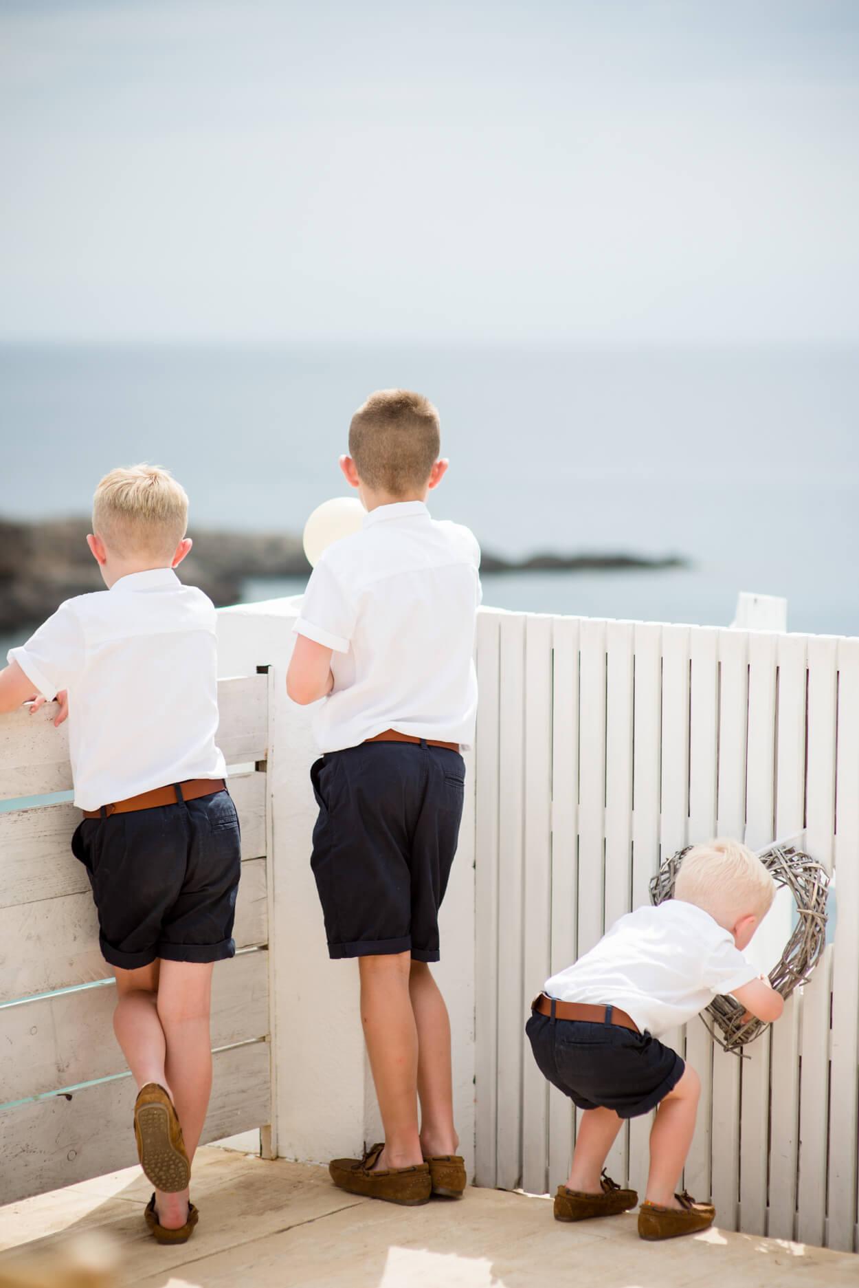 paige boys sea view watching horizon children