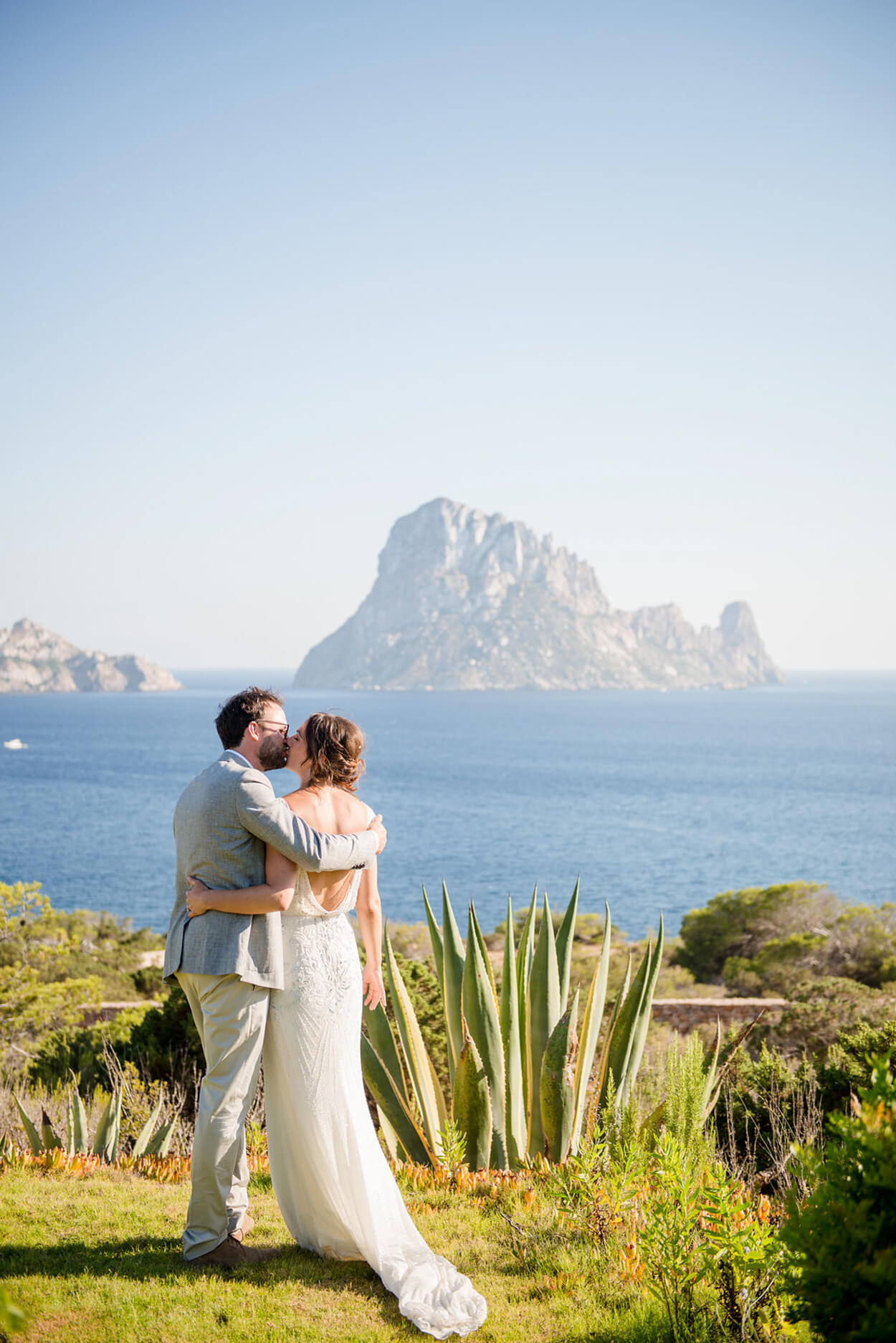 es vedra sunset couple portrait garden seaview wedding
