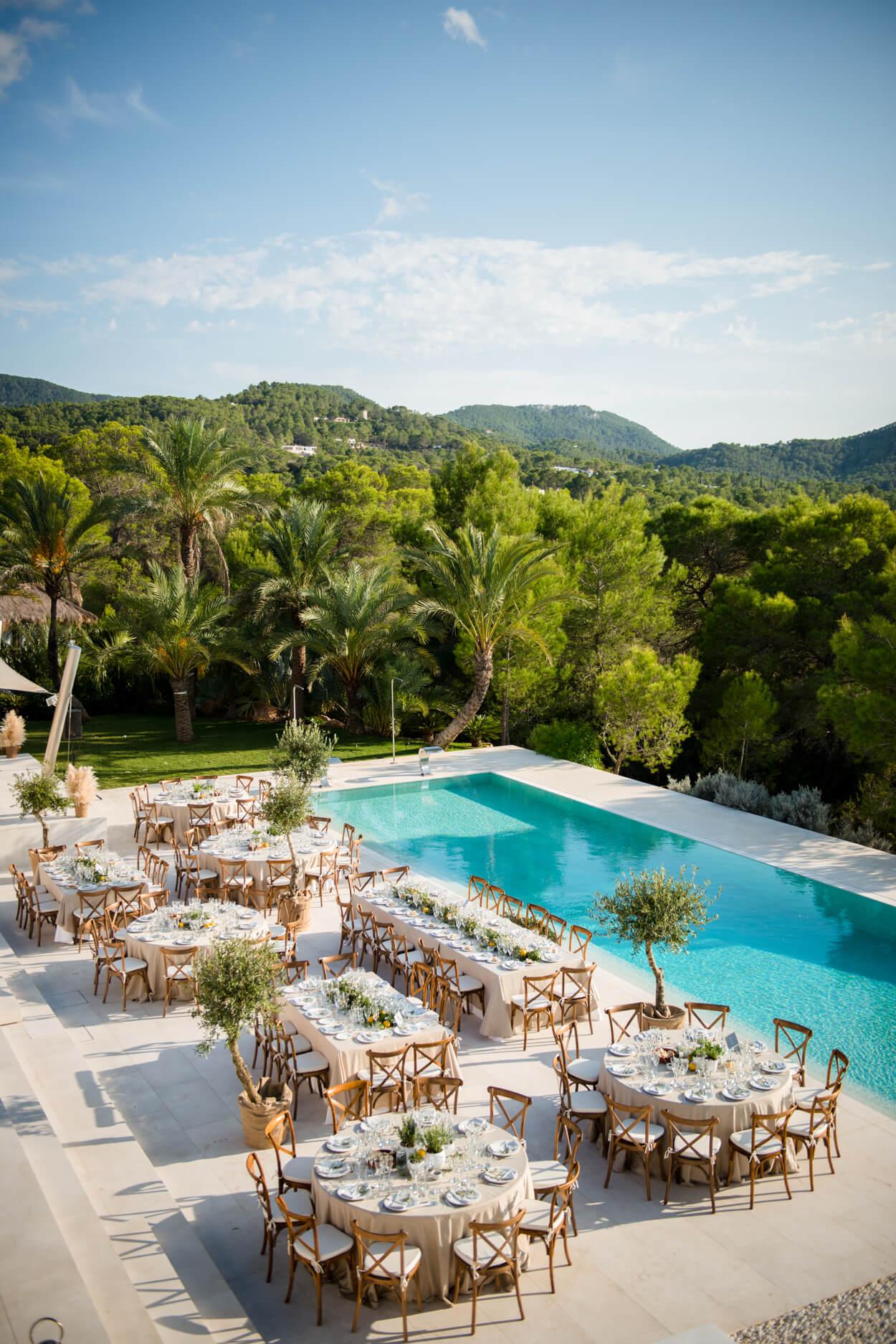 poolside wedding dinner luxury green hills