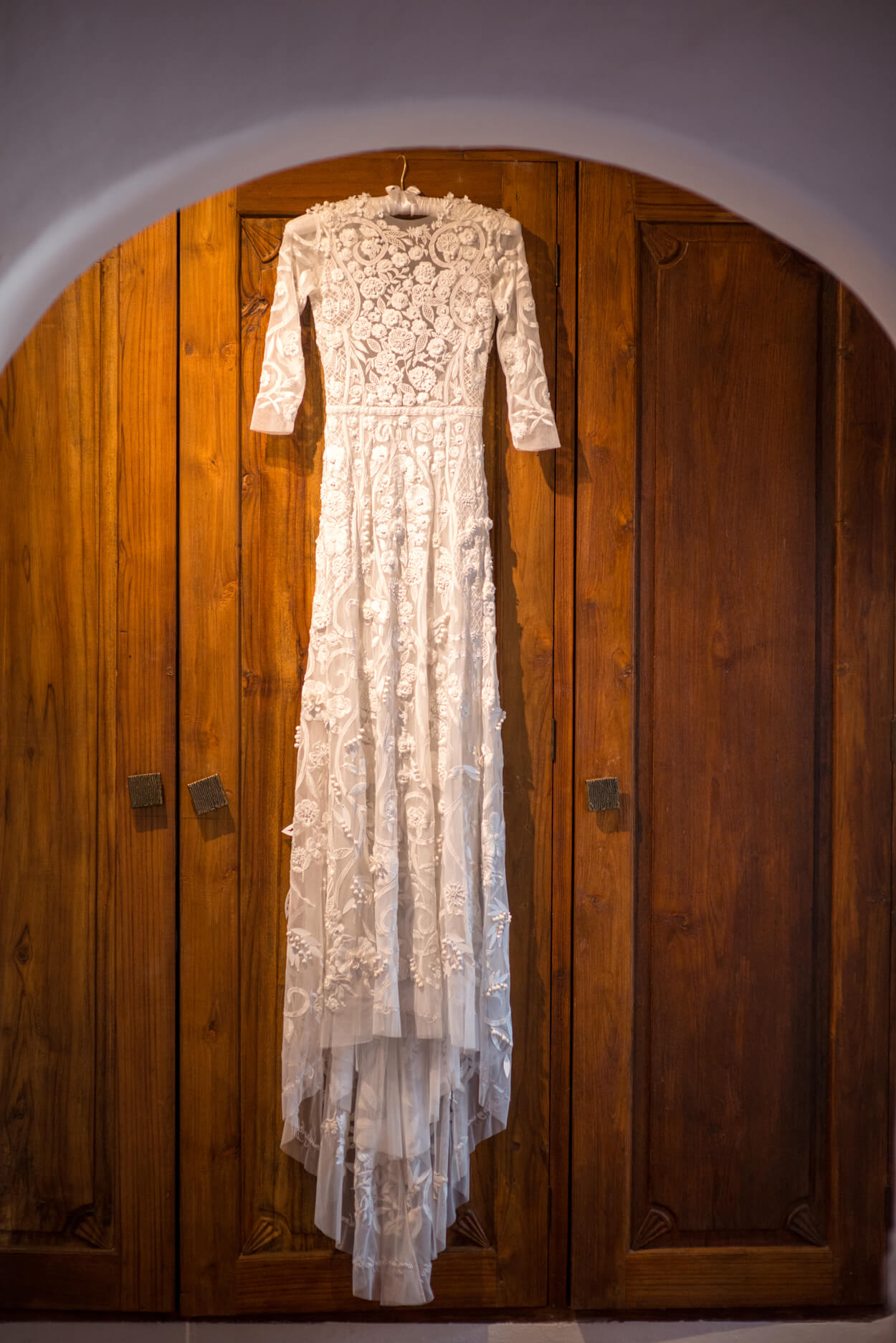 dress hanging hermoine de paula lace bespoke design