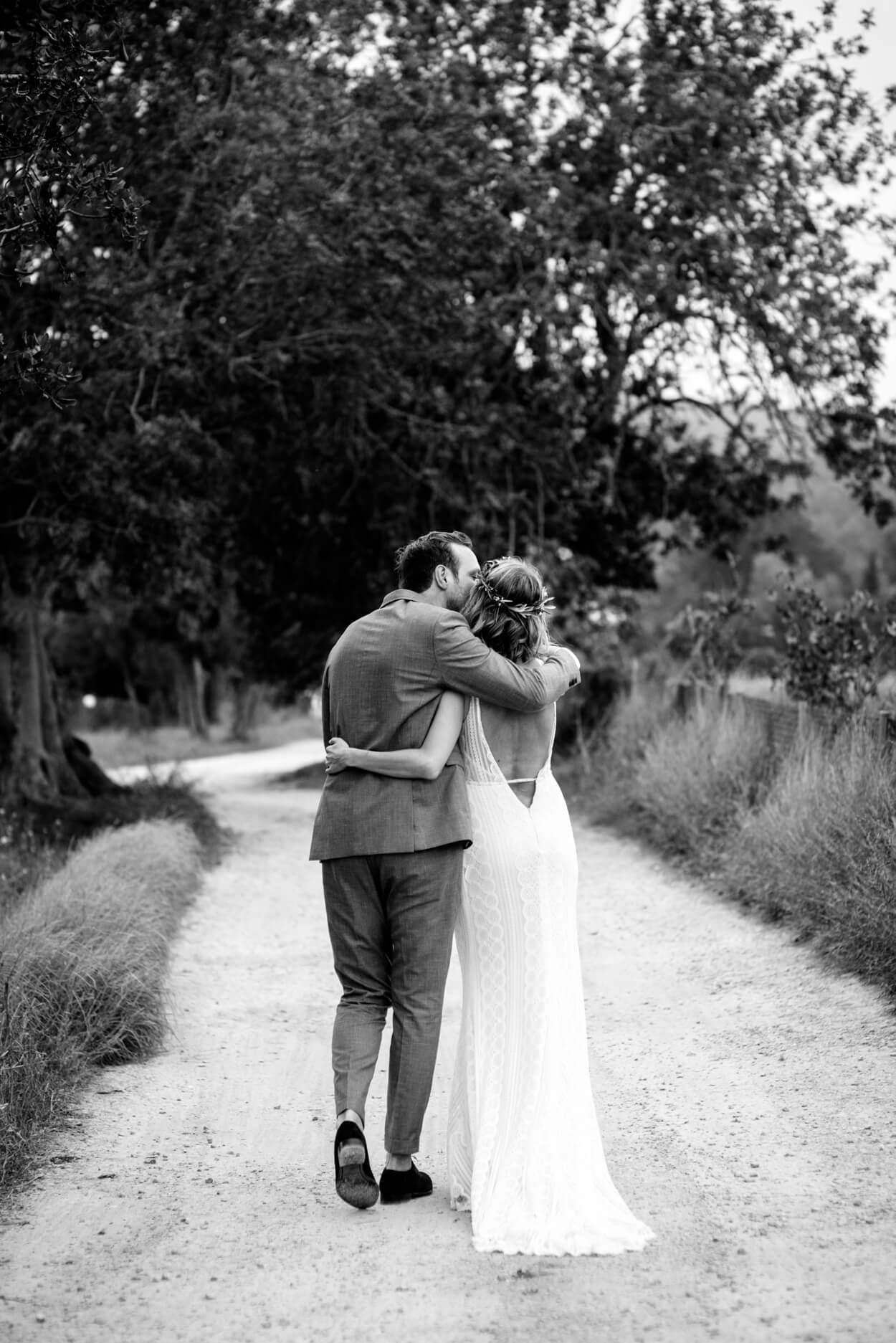 bride groom country walk path camino algaroba carob tree