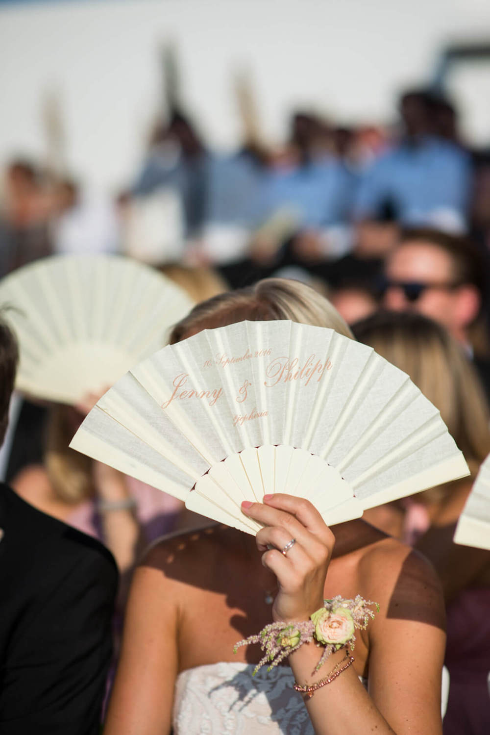 fan favours gift guests